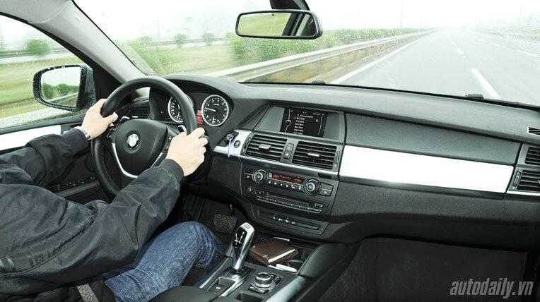 Lái thử BMW X6 trị giá 3,3 tỷ đồng - Hình 5