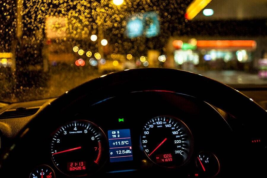 Kỹ năng lái xe an toàn ban đêm