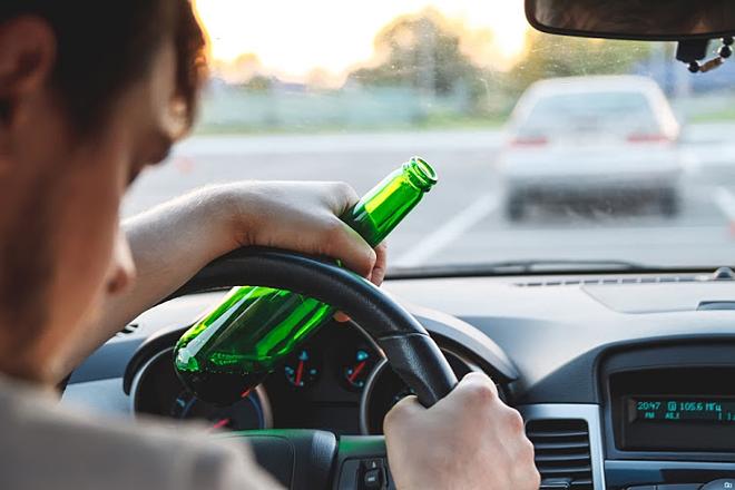 Người sử dụng rượu và các chất kích thích dễ ngủ gật khi lái xe