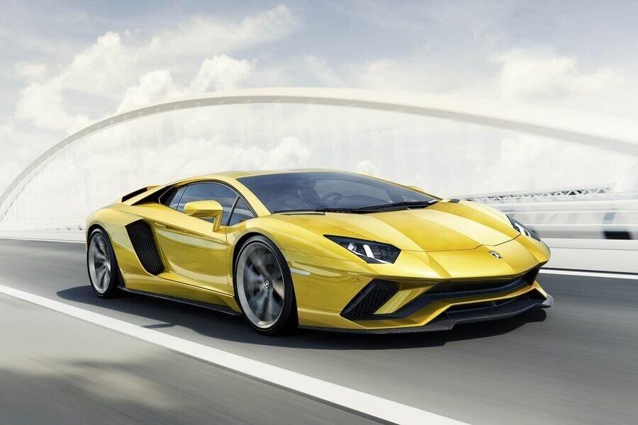 Lamborghini ăn mừng chiếc Huracan thứ 10.000 lăn bánh khỏi dây chuyền sản xuất - Hình 3