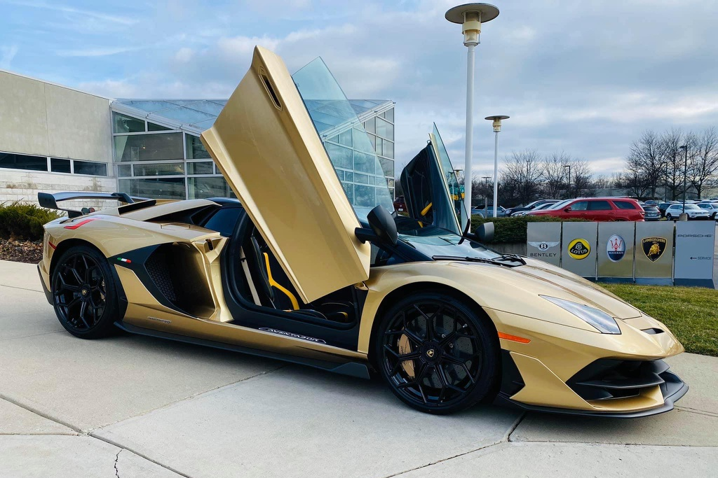 Nguoi Viet dau tien tau Lamborghini Aventador SVJ Roadster hinh anh 1 LamSVJ_1.jpg
