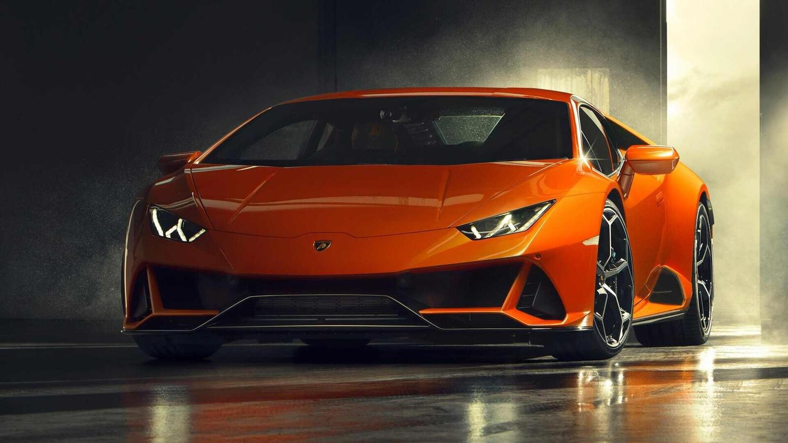 Lamborghini giới thiệu Huracan EVO mới với sức mạnh 640 mã lực - Hình 1
