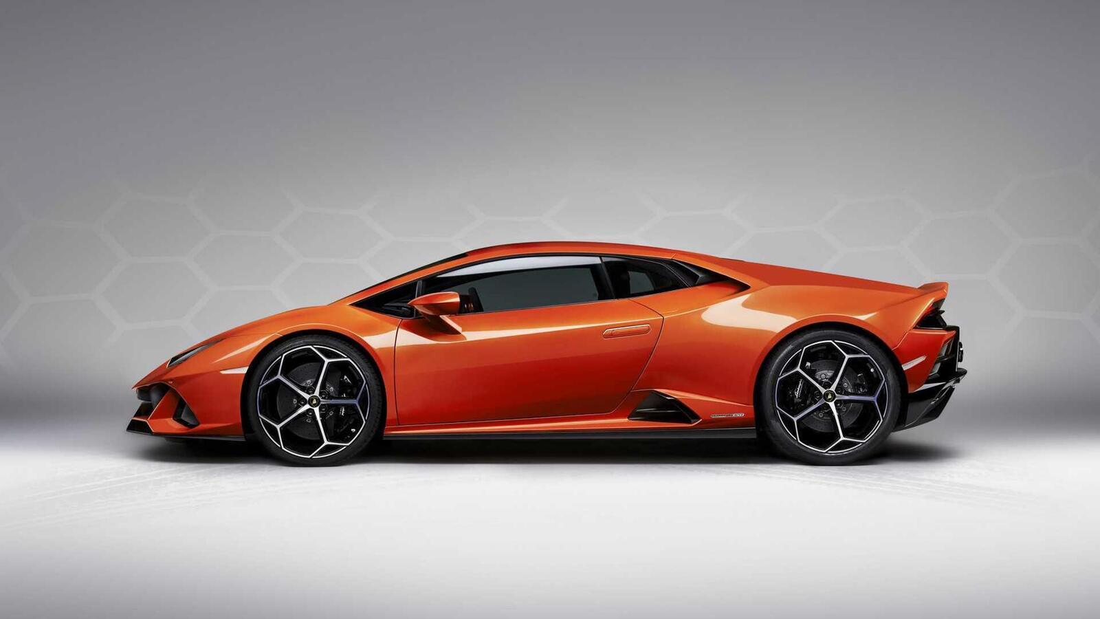 Lamborghini giới thiệu Huracan EVO mới với sức mạnh 640 mã lực - Hình 15