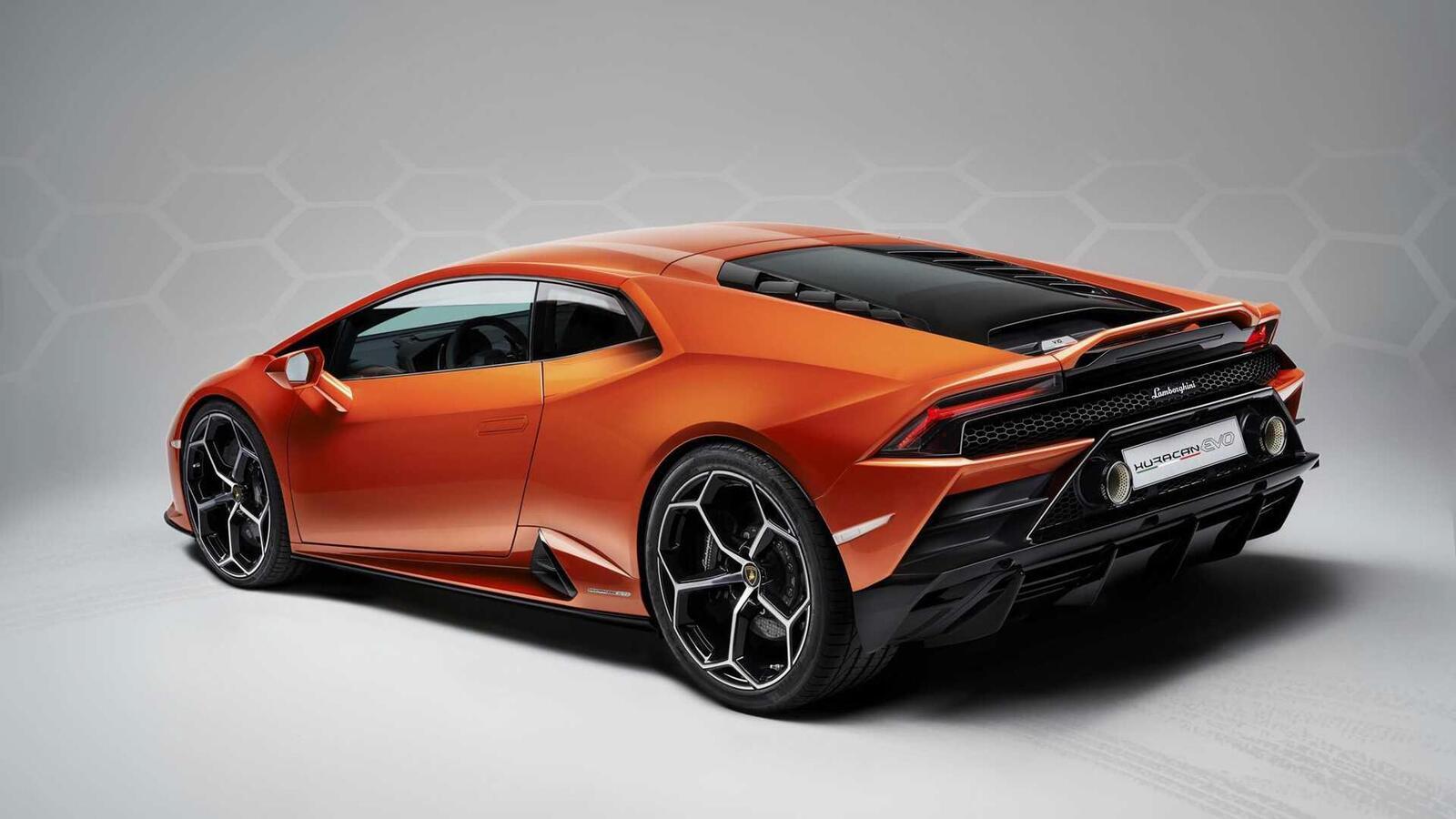 Lamborghini giới thiệu Huracan EVO mới với sức mạnh 640 mã lực - Hình 16