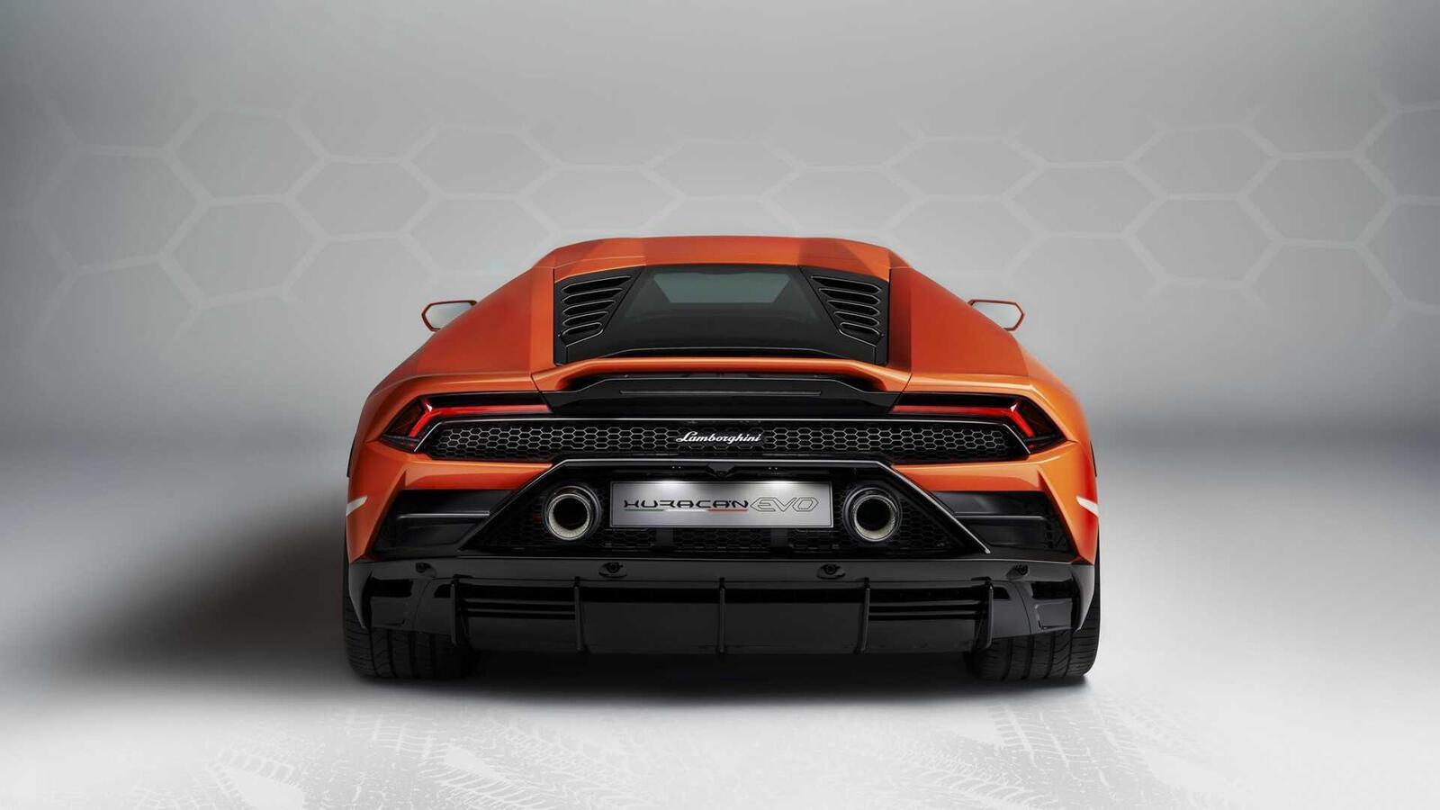 Lamborghini giới thiệu Huracan EVO mới với sức mạnh 640 mã lực - Hình 18