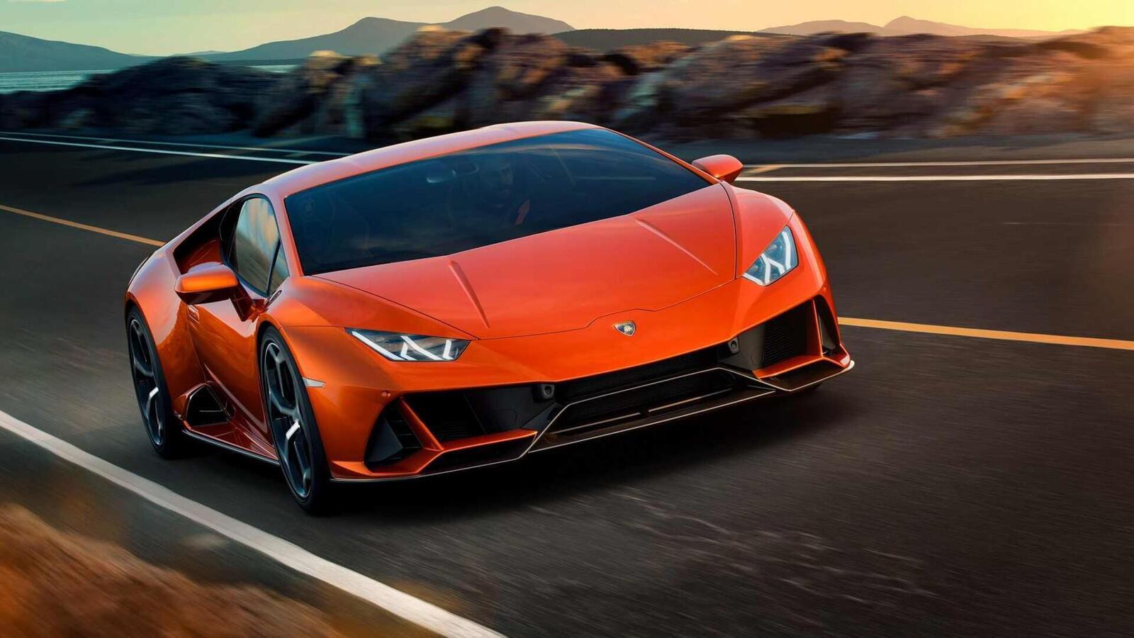 Lamborghini giới thiệu Huracan EVO mới với sức mạnh 640 mã lực - Hình 2