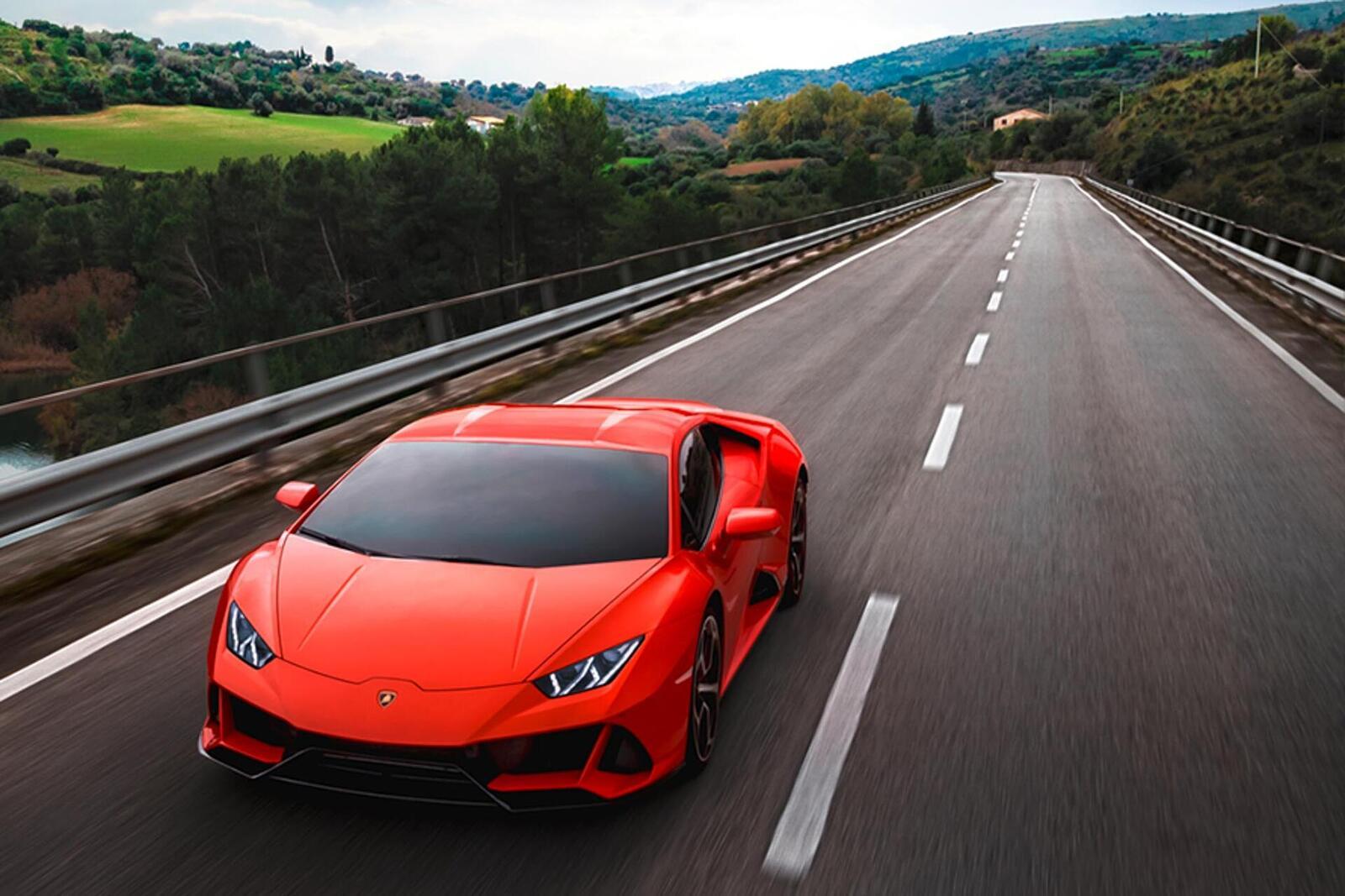 Lamborghini giới thiệu Huracan EVO mới với sức mạnh 640 mã lực - Hình 20