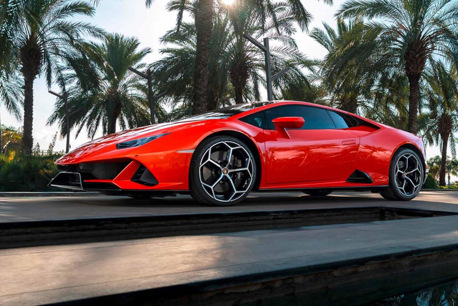 Lamborghini giới thiệu Huracan EVO mới với sức mạnh 640 mã lực - Hình 21