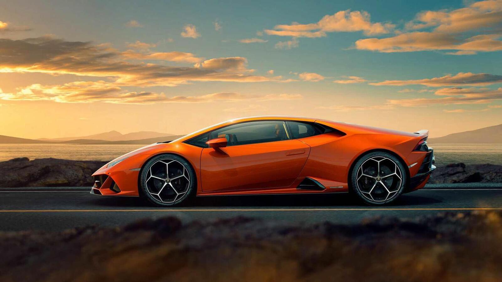 Lamborghini giới thiệu Huracan EVO mới với sức mạnh 640 mã lực - Hình 4