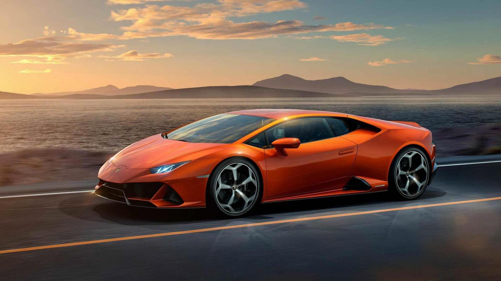 Lamborghini giới thiệu Huracan EVO mới với sức mạnh 640 mã lực - Hình 5