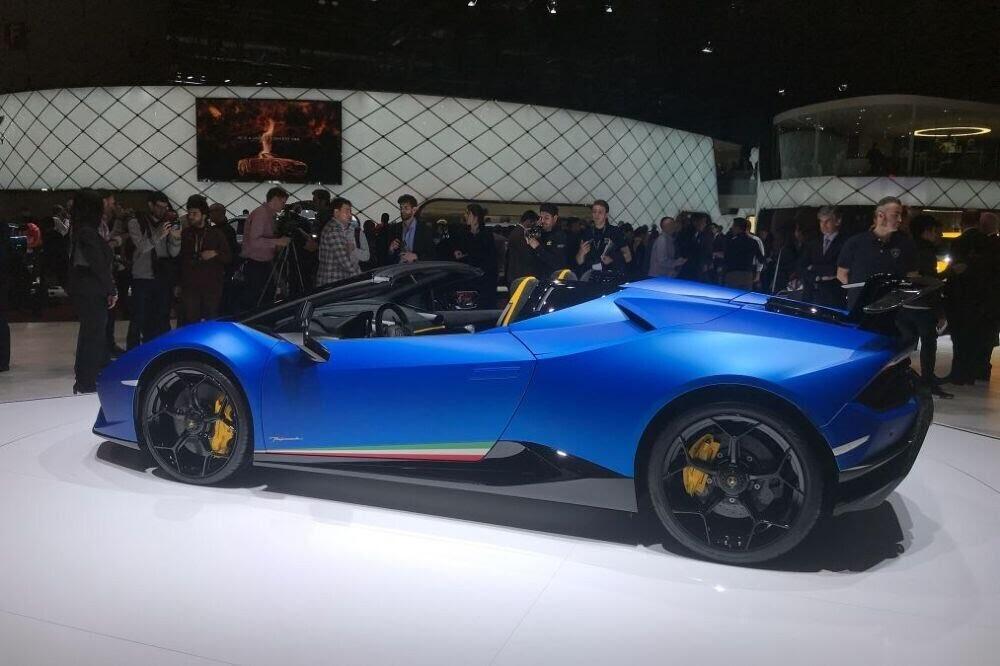Lamborghini Huracan Performante Spyder chính thức ra mắt tại Triển lãm Geneva 2018 - Hình 2