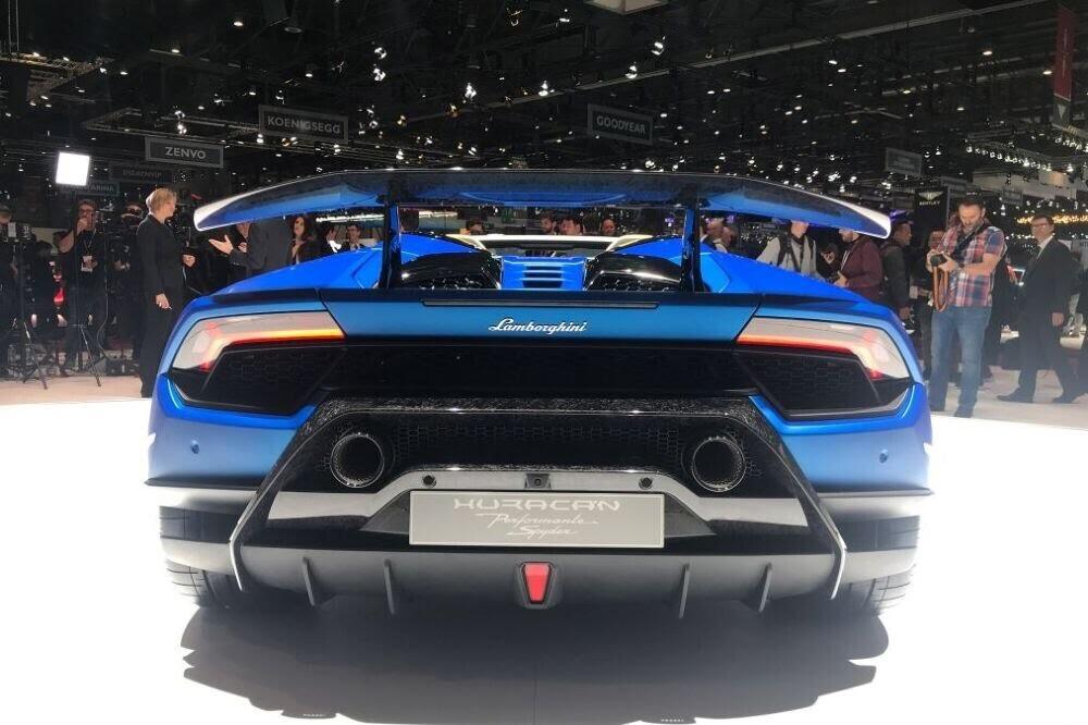 Lamborghini Huracan Performante Spyder chính thức ra mắt tại Triển lãm Geneva 2018 - Hình 3