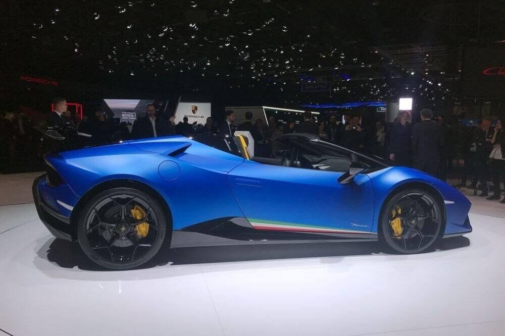Lamborghini Huracan Performante Spyder chính thức ra mắt tại Triển lãm Geneva 2018 - Hình 5
