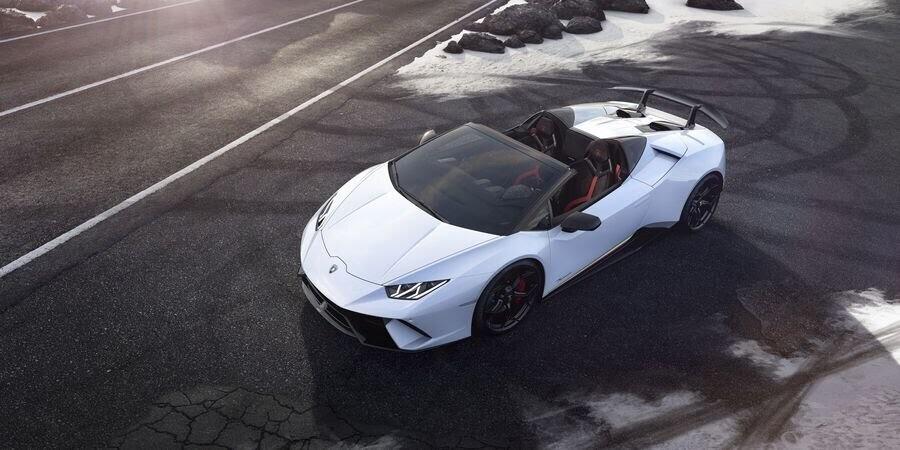 Lamborghini Huracan Performante Spyder hạ cánh tại đất Mỹ, với giá từ 7 tỷ VNĐ - Hình 3