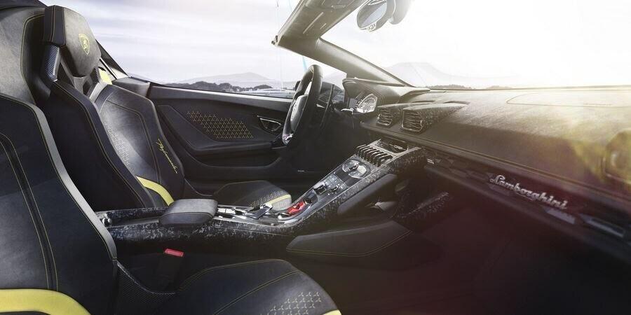 Lamborghini Huracan Performante Spyder hạ cánh tại đất Mỹ, với giá từ 7 tỷ VNĐ - Hình 7