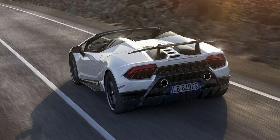 Lamborghini Huracan Performante Spyder hạ cánh tại đất Mỹ, với giá từ 7 tỷ VNĐ - Hình 13