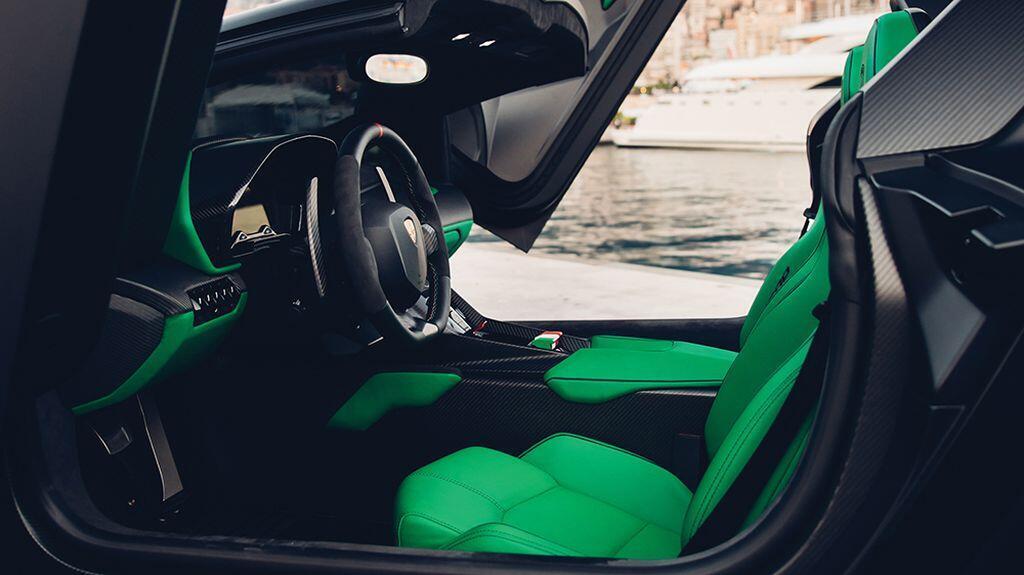 lamborghini-veneno-roadster-cua-hoang-toc-a-rap-xe-ut-gia-141-ty-dong-chuan-bi-len-san