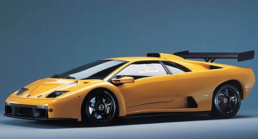 Lamborghini xác nhận đang phát triển một phiên bản mạnh mẽ hơn của Huracan - Hình 5