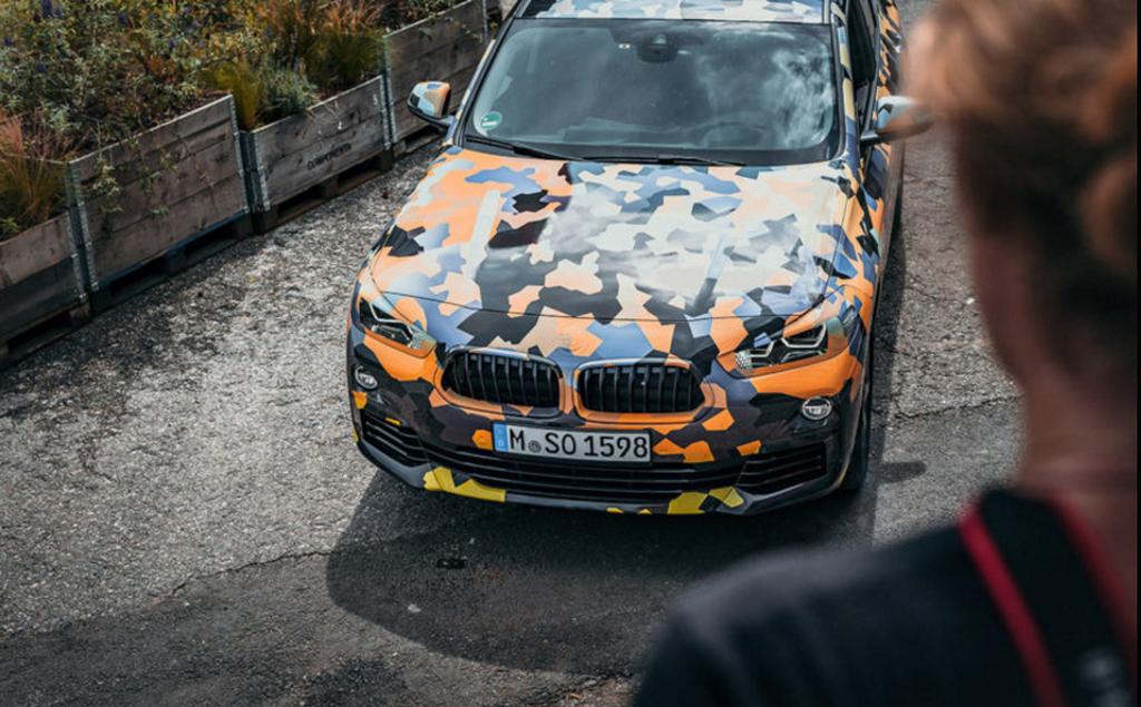 Lần đầu công khai gặp gỡ phiên bản sản xuất của BMW X2 2018 - Hình 3