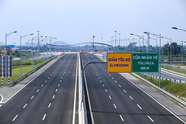 Làn đường xe lưu thông