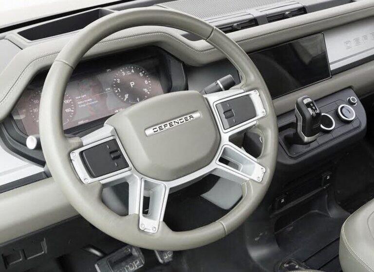 Land Rover Defender 2020 thử thách sức bền tại Kenya, chuẩn bị ra mắt trong năm nay - Hình 13