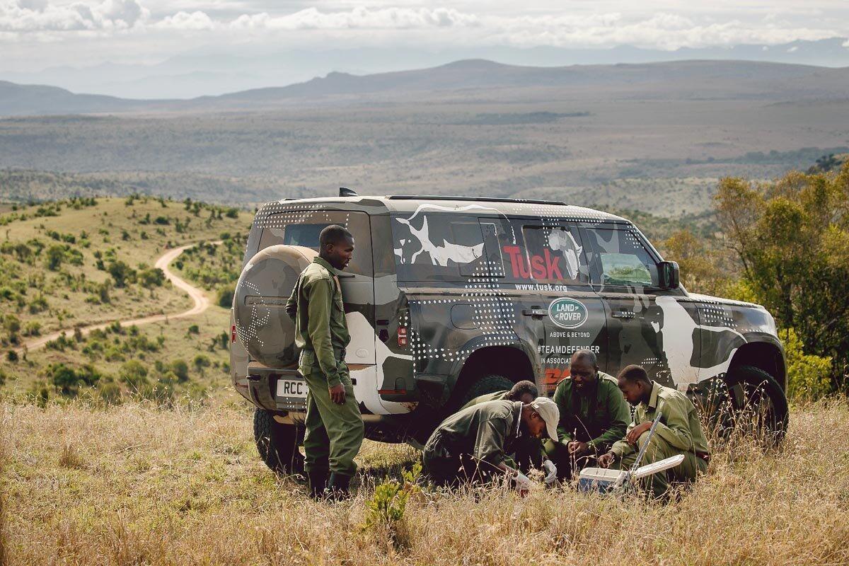 Land Rover Defender 2020 thử thách sức bền tại Kenya, chuẩn bị ra mắt trong năm nay - Hình 2