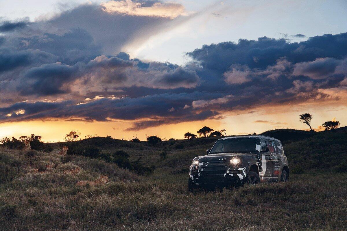 Land Rover Defender 2020 thử thách sức bền tại Kenya, chuẩn bị ra mắt trong năm nay - Hình 5