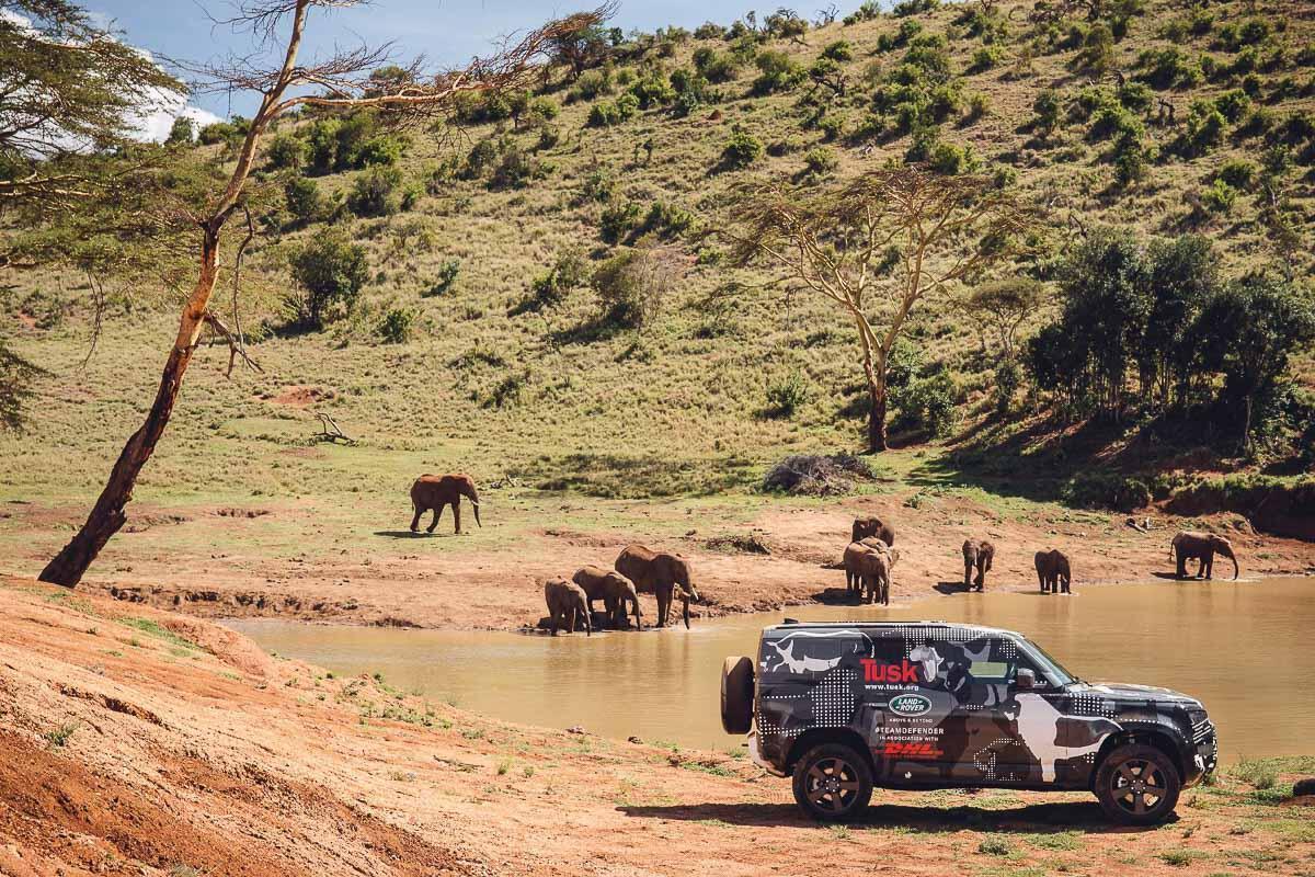 Land Rover Defender 2020 thử thách sức bền tại Kenya, chuẩn bị ra mắt trong năm nay - Hình 6