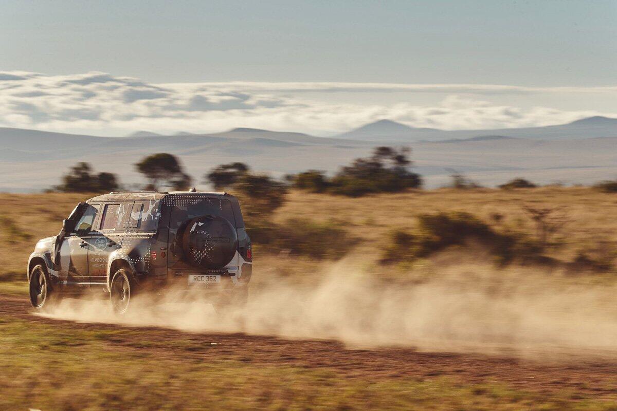 Land Rover Defender 2020 thử thách sức bền tại Kenya, chuẩn bị ra mắt trong năm nay - Hình 7