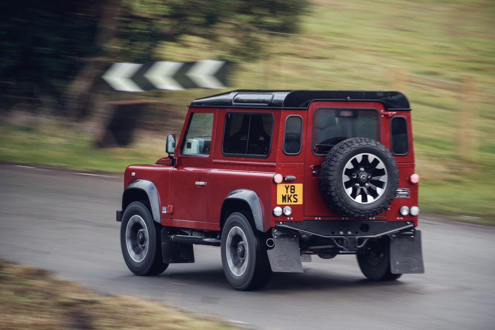 Land Rover Defender phiên bản kỷ niệm 70 năm ra mắt; chỉ 150 chiếc được sản xuất - Hình 3