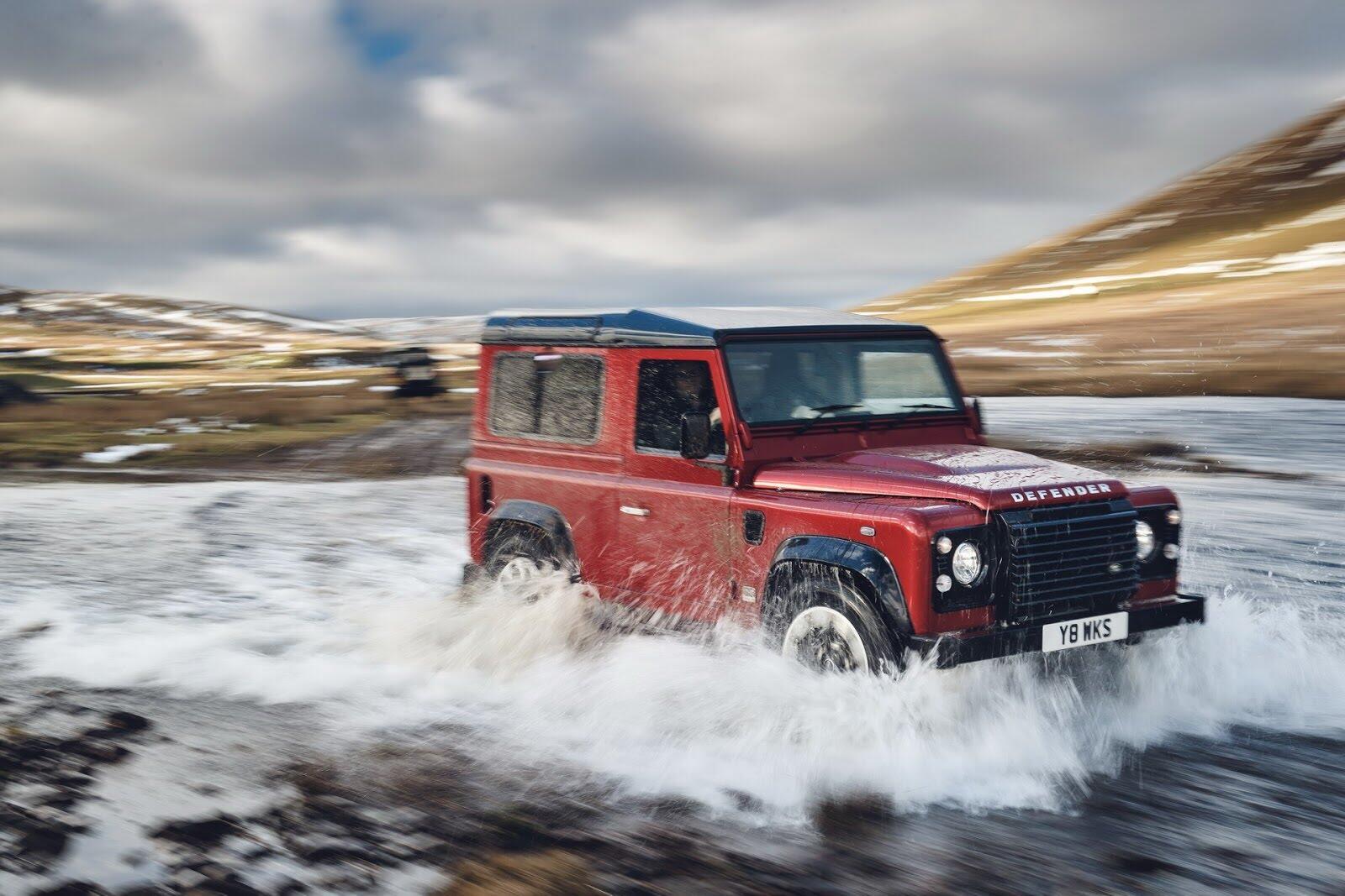 Land Rover Defender phiên bản kỷ niệm 70 năm ra mắt; chỉ 150 chiếc được sản xuất - Hình 8