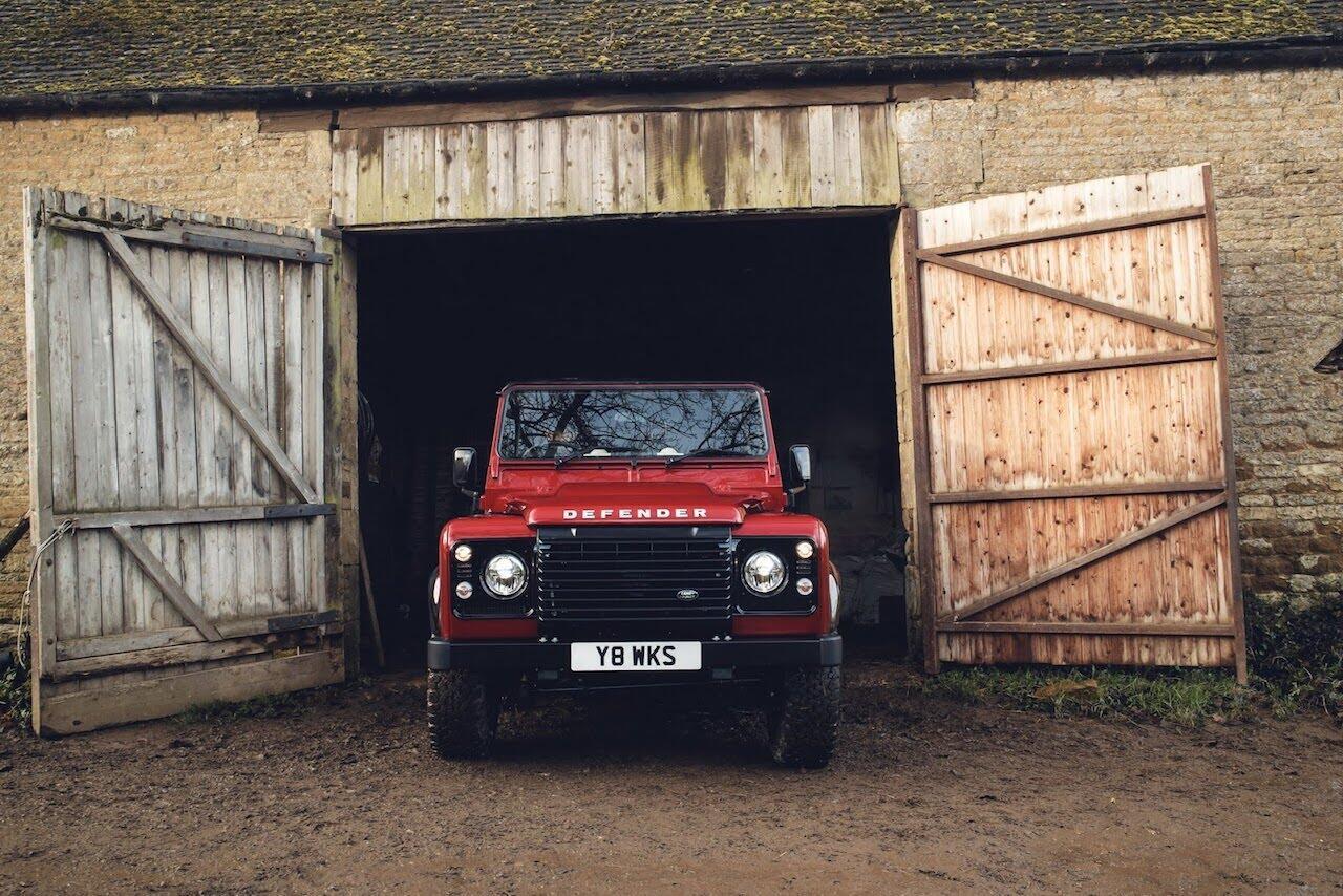 Land Rover Defender phiên bản kỷ niệm 70 năm ra mắt; chỉ 150 chiếc được sản xuất - Hình 11