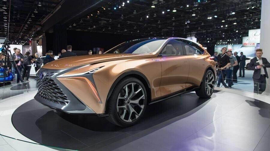 Lexus chấp nhận làm mất lòng nhiều khách hàng với xu hướng thiết kế mới - Hình 1