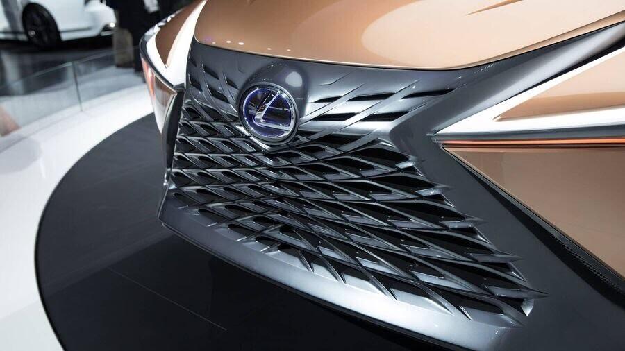 Lexus chấp nhận làm mất lòng nhiều khách hàng với xu hướng thiết kế mới - Hình 3