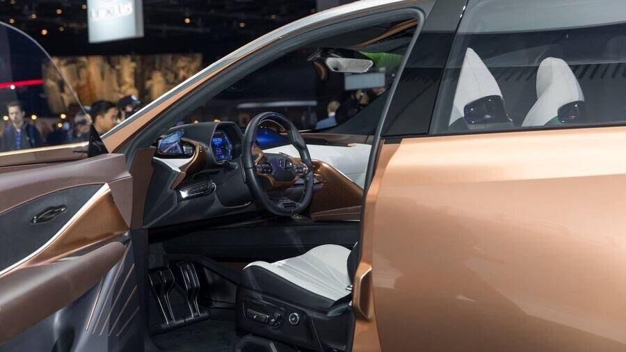 Lexus chấp nhận làm mất lòng nhiều khách hàng với xu hướng thiết kế mới - Hình 5