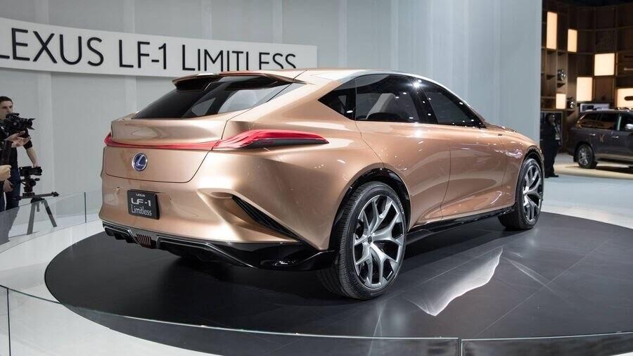 Lexus chấp nhận làm mất lòng nhiều khách hàng với xu hướng thiết kế mới - Hình 6