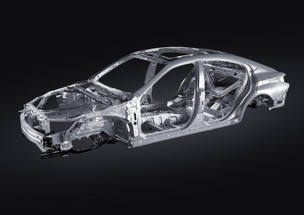 Lexus ES 250 mới chính thức được giới thiệu tại Việt Nam - Hình 1