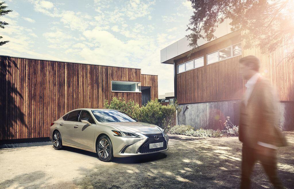Lexus ES 250 mới chính thức được giới thiệu tại Việt Nam - Hình 2