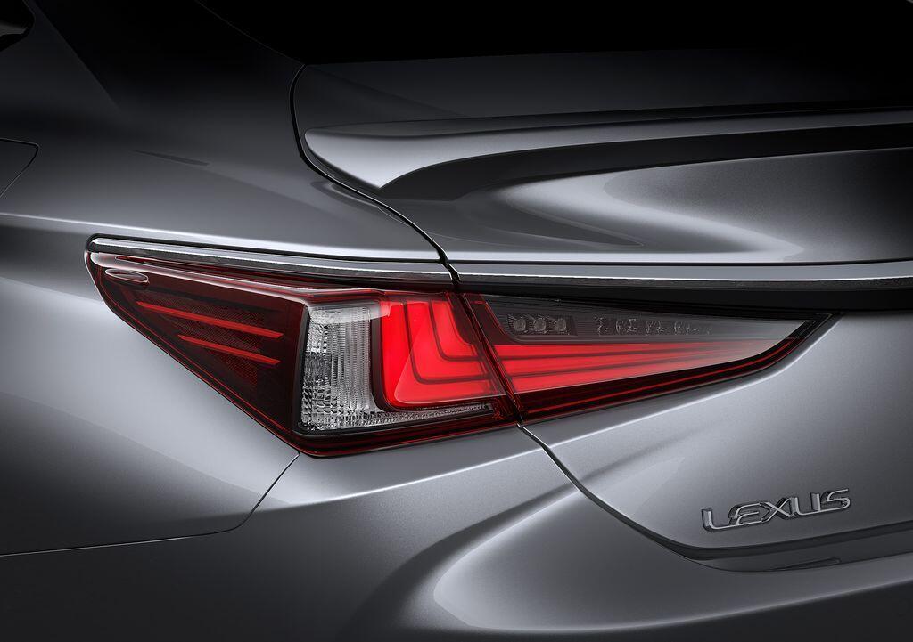 Lexus ES 250 mới chính thức được giới thiệu tại Việt Nam - Hình 3