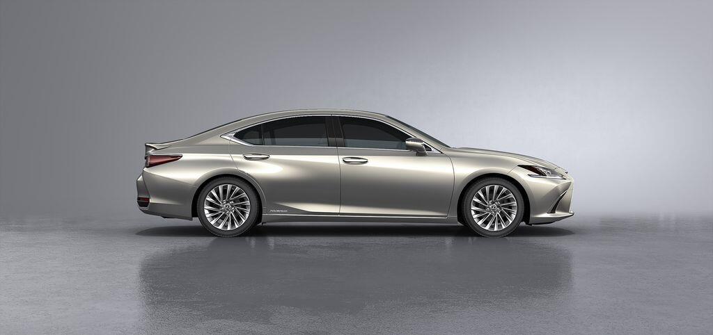 Lexus ES 250 mới chính thức được giới thiệu tại Việt Nam - Hình 10