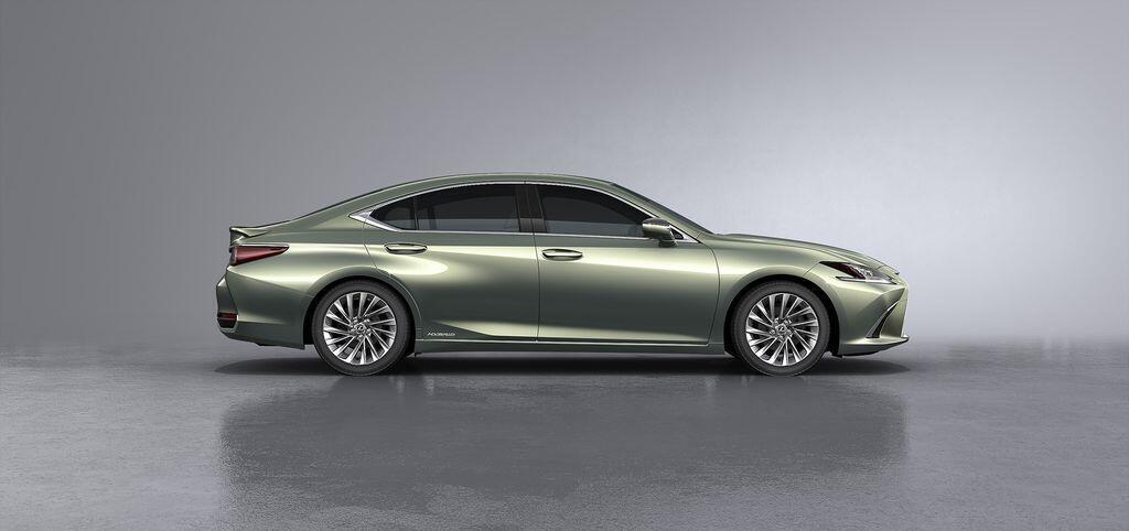 Lexus ES 250 mới chính thức được giới thiệu tại Việt Nam - Hình 11