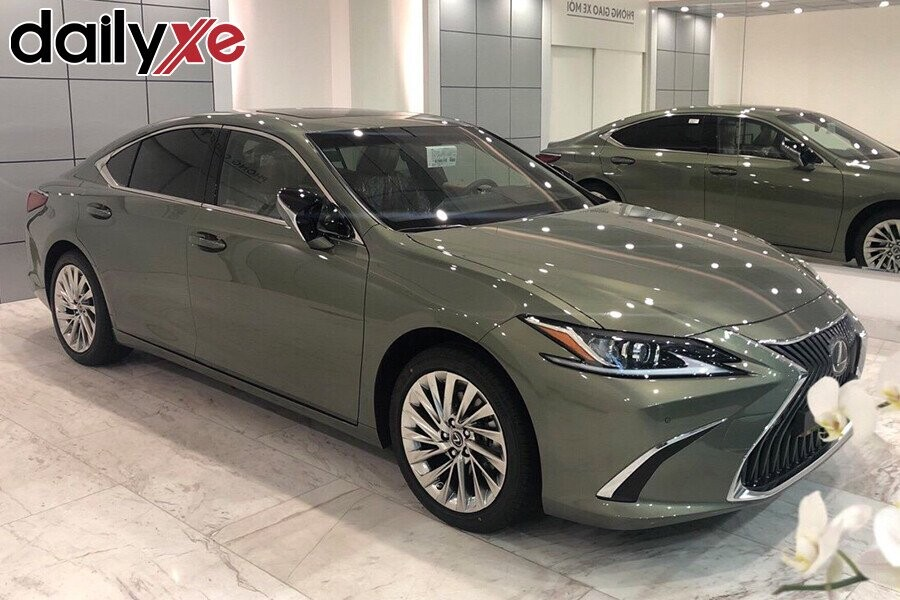 Lexus ES250 - Hình 1
