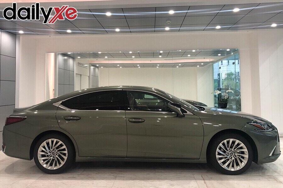 Lexus ES250 - Hình 2