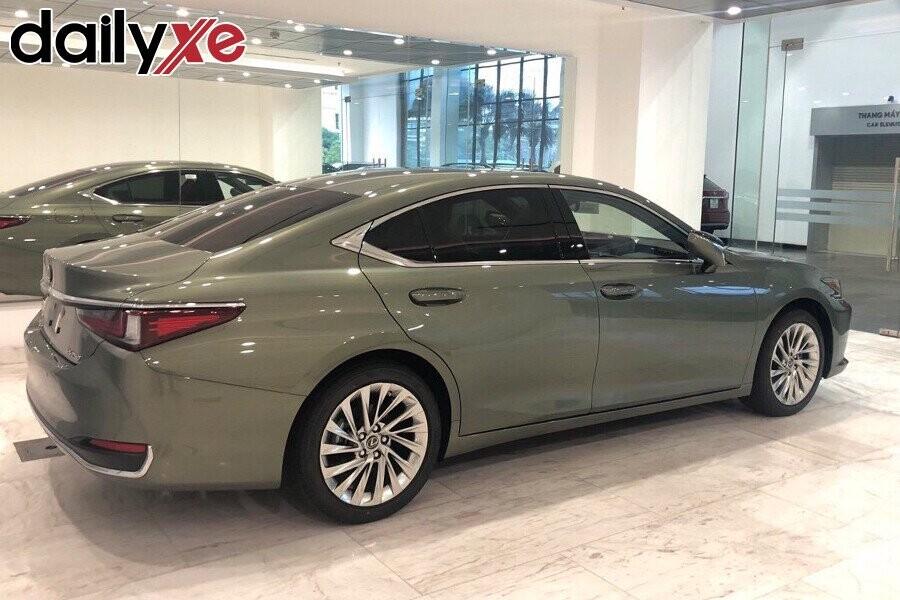 Lexus ES250 - Hình 4