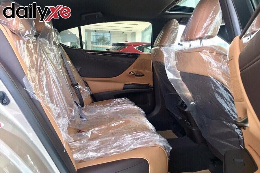 Lexus ES250 - Hình 9