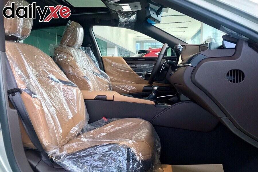 Lexus ES250 - Hình 7