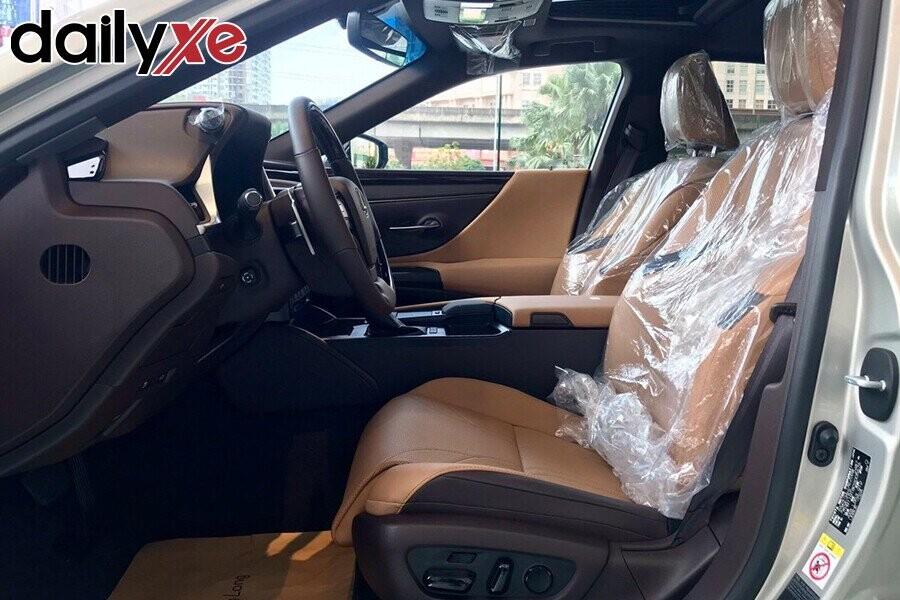 Lexus ES250 - Hình 8