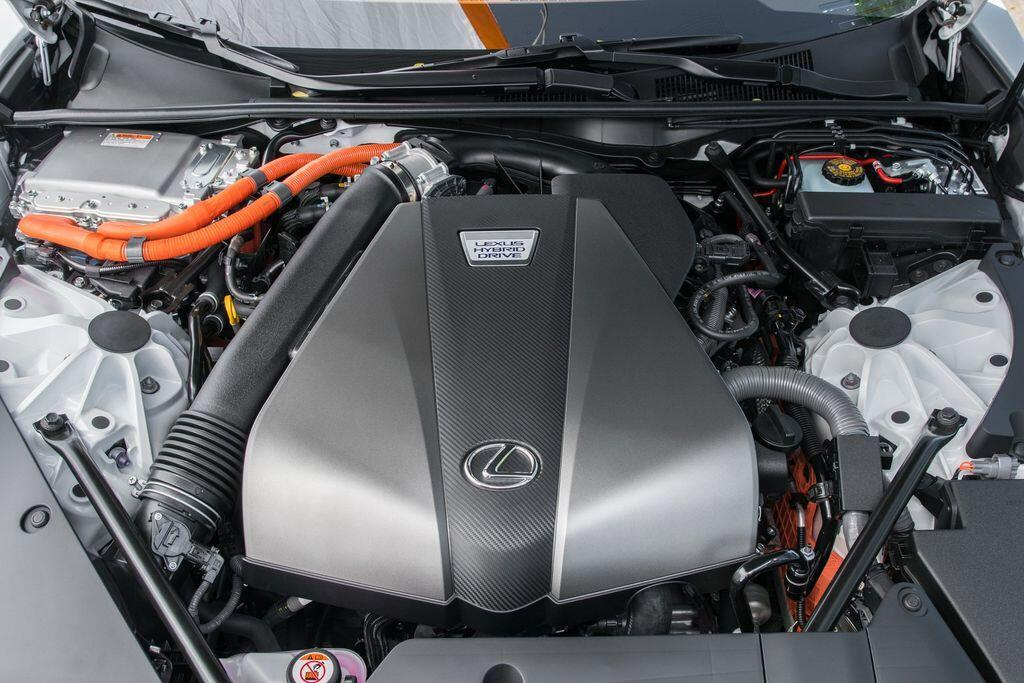 lexus-gia-han-goi-bao-hanh-pin-cho-nhung-mau-xe-hybrid-2020