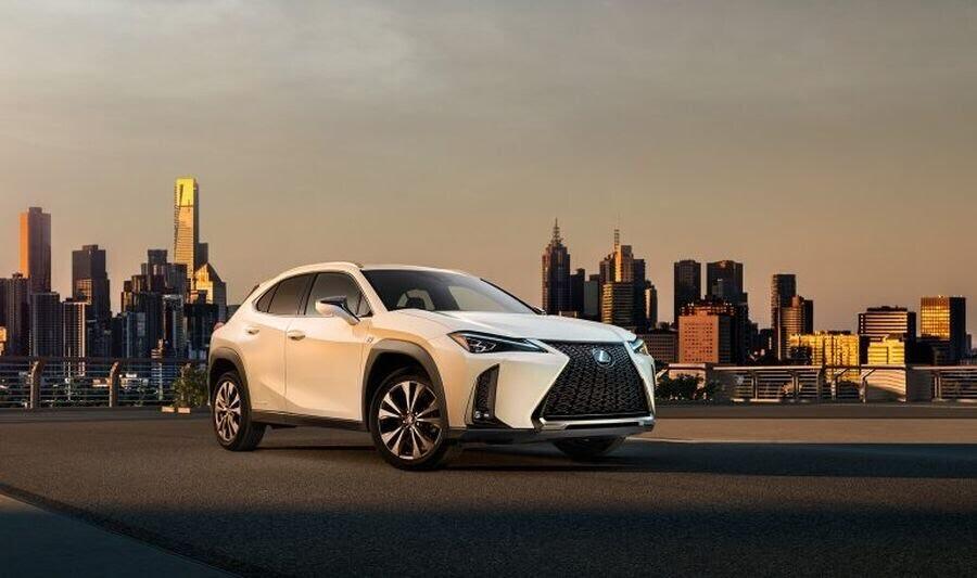Lexus hé lộ diện mạo chính thức của Lexus UX hoàn toàn mới - Hình 1