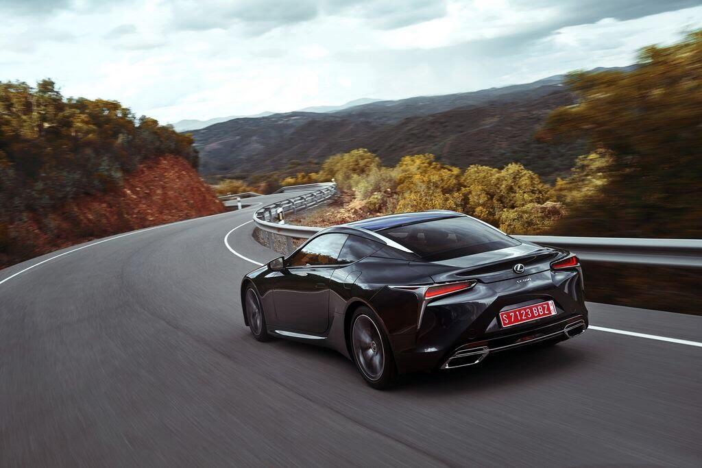 Lexus LC sẽ đến Triển lãm Ô tô Việt Nam 2017 - Hình 3
